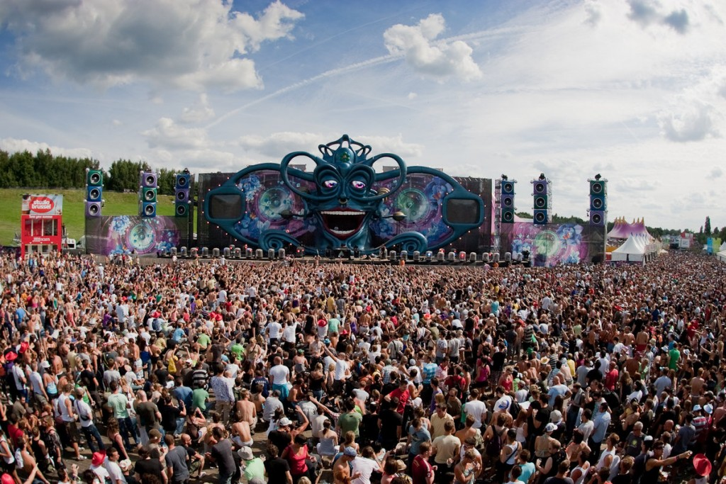 2009-tomorrowland-doremusic