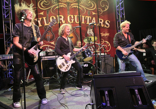 namm-2011-taylor-gitar